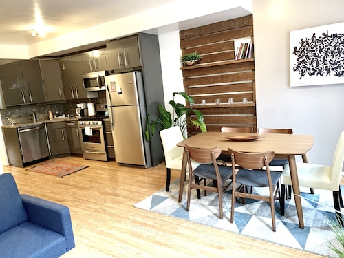 Beautiful 2BR Apt, Sleeps 6!