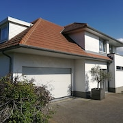Spacious, Peacefully Located Villa in De Panne - Adinkerke With Beautiful Garden