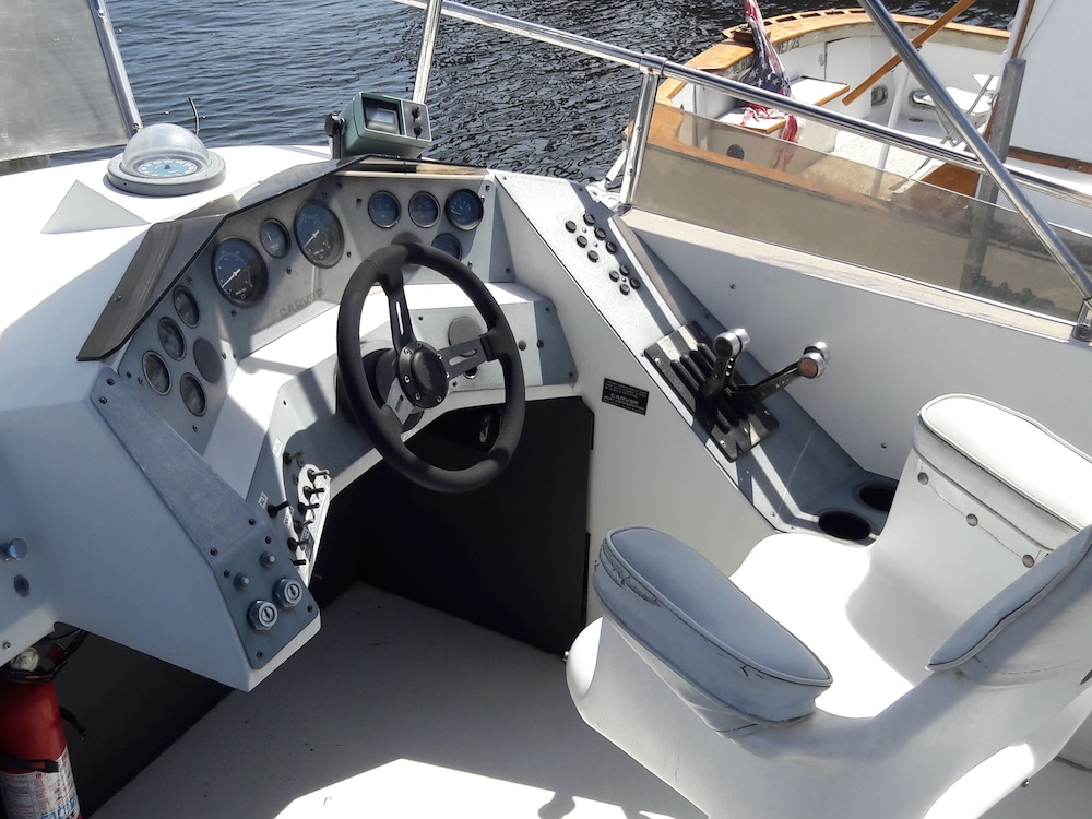 , Waterfront 30´ Carver/yatch Rental Providence RI