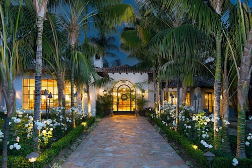 Stunning! Resort-like 7-br Estate in Rancho Santa Fe
