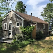 Lakefront Cottage in Eastham, Near Ocean and Bay