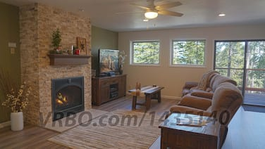 Deluxe Modern 3 Bed 2 Bath Home, Inside Yosemite Natl Park, A/c, Remodeled 2019
