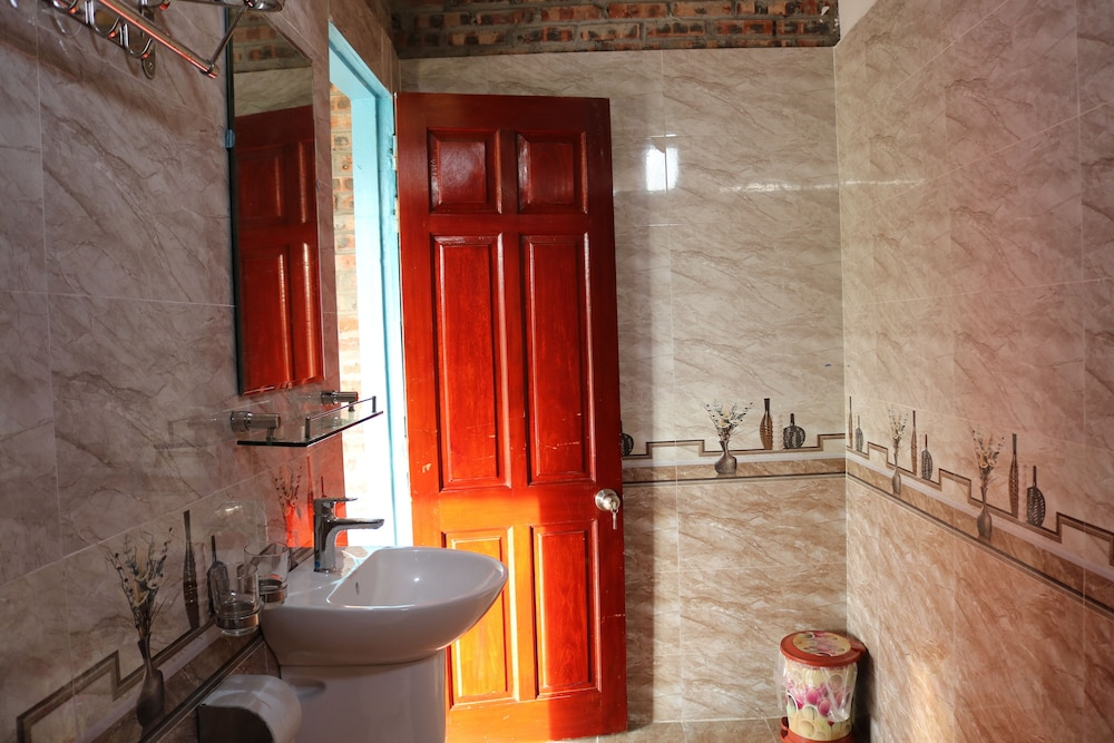 Bathroom, Hang Mua Homestay - Hostel