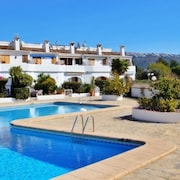 Jane - Holiday Home With Swimming Pool in Teulada