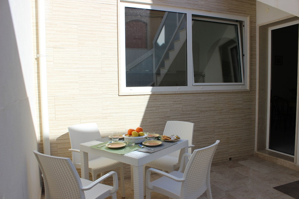 Vie Apartments Veronica Just 50m From The Sandy Beach And Center In Ragusa Hotel Rates Reviews On Orbitz