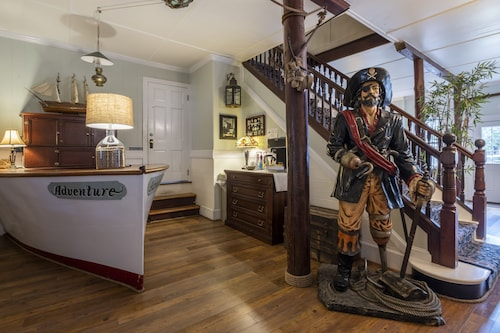 Blackbeard's Lodge