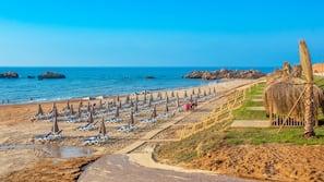 Plage privée, navette gratuite vers la plage, cabines gratuites