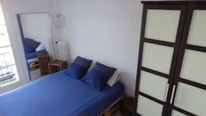 1 chambre, fer et planche à repasser, lits bébé, Wi-Fi