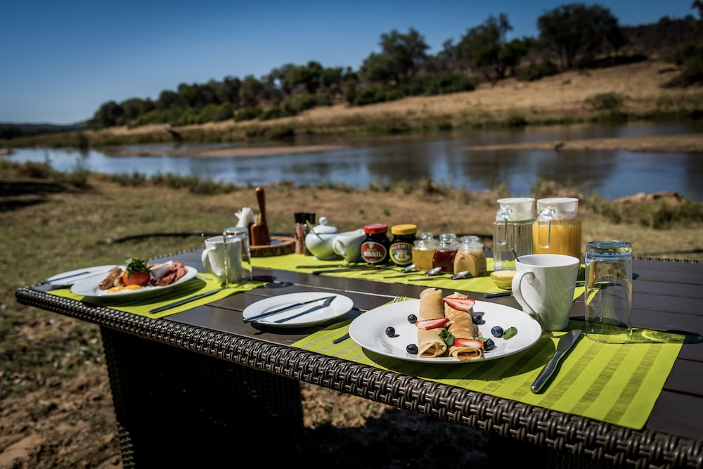 Breakfast Meal, Maninghi Lodge