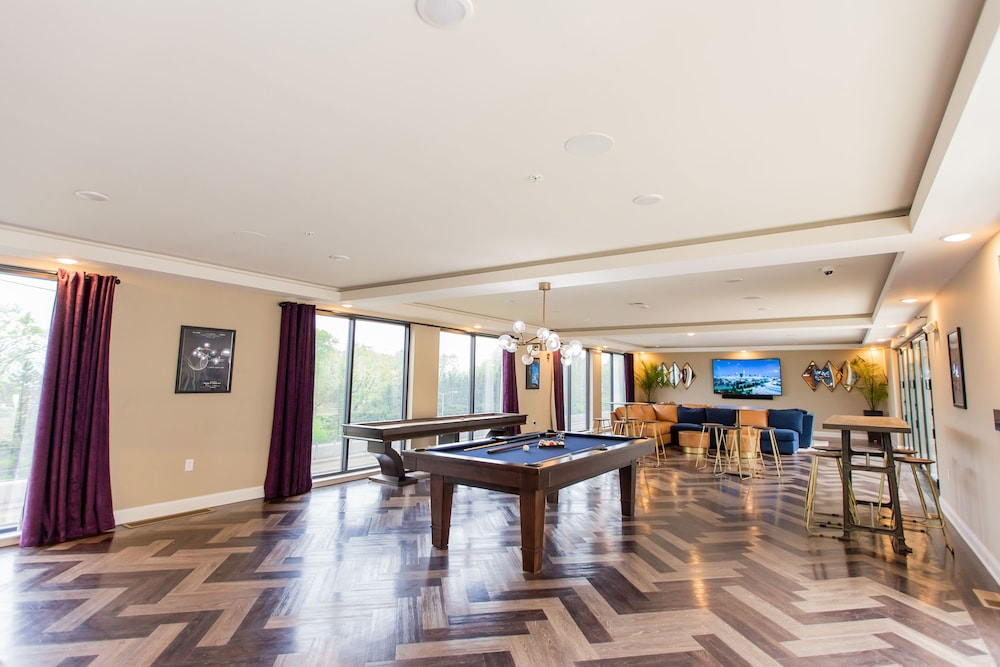 Game Room, Kasa St Louis Forest Park Apartments