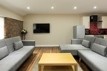 Stunning Penthouse in NQ, City Centre ! Sleeps 8