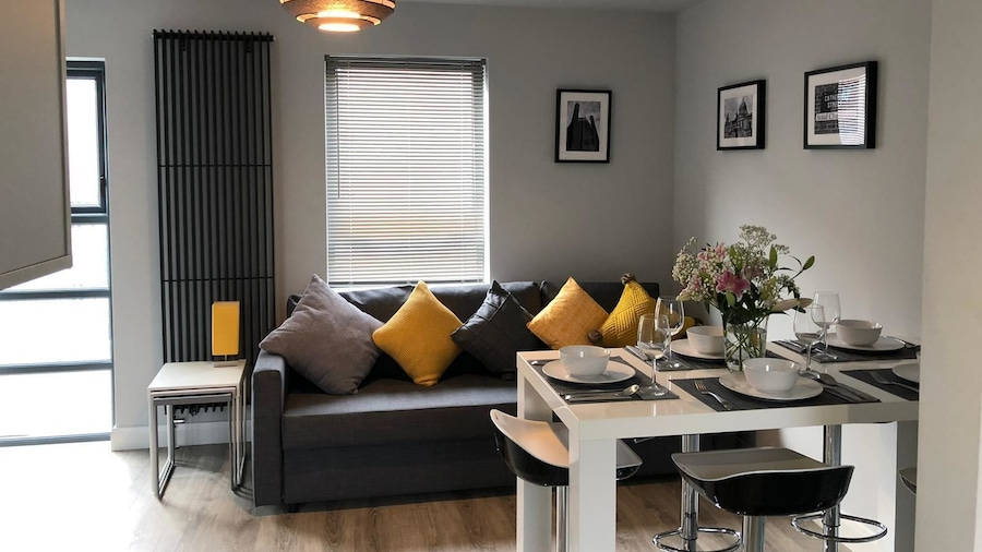 City Central Townhouse by BHR Apartments