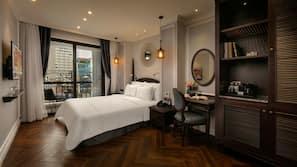 무료 미니바 품목, 객실 내 금고, 책상, 암막 커튼