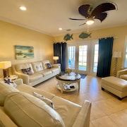 Waterfront luxury Villa (15) - 3 Br Townhouse