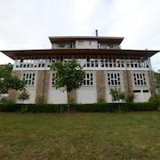 サモス修道院 / サモス旅行|エクスペディア