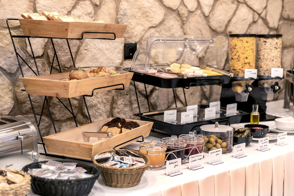 Breakfast buffet, Athens Manor Houses Suites Apartments