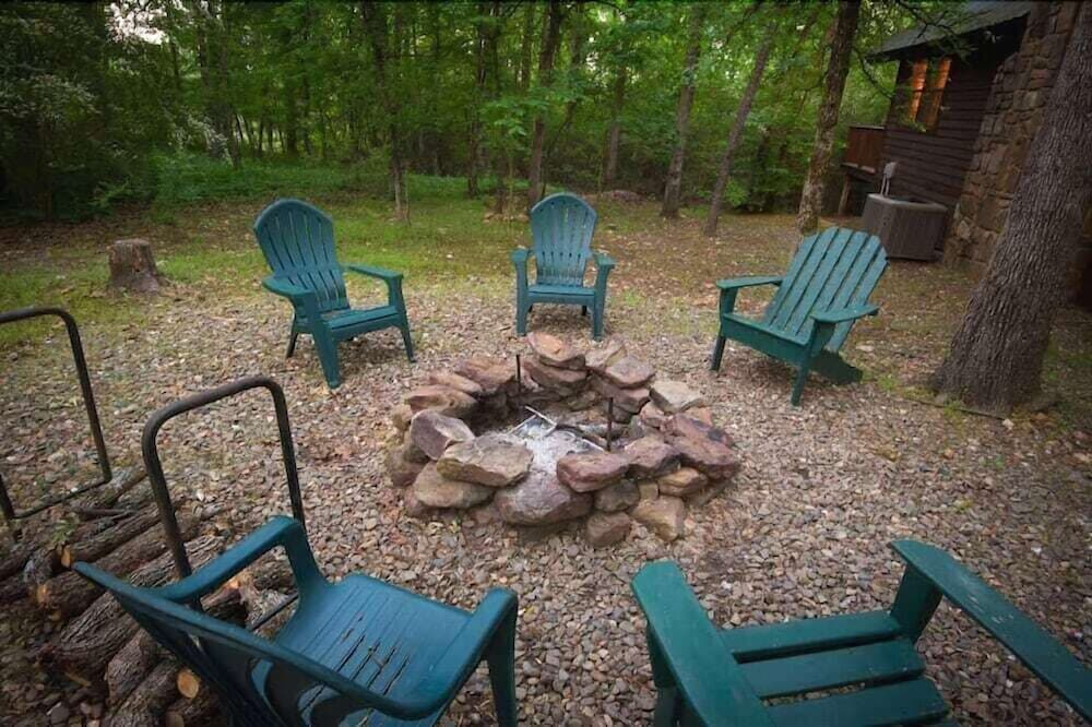Property Grounds, Forever And a Day Retreat - 1 Br Cabin