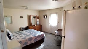 In-room safe, individually decorated, individually furnished, desk