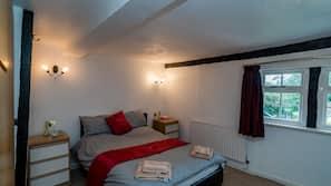 7 bedrooms, iron/ironing board, free WiFi