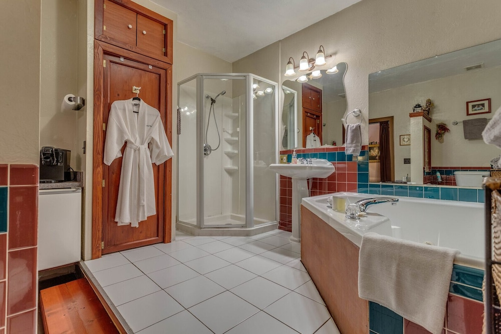 Bathroom, The Whispering Pines Inn Bed & Breakfast