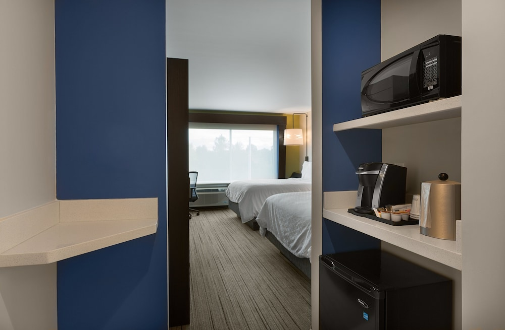 Room, Holiday Inn Express Lake Park, an IHG Hotel