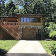 Cozy Log Cabin With Greenwood Lake Access & AC