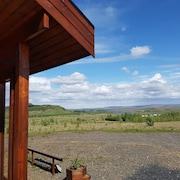 The Cabin on The Hill With Geothermal Hot Tub
