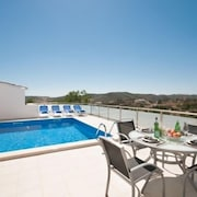 Vale de Lama Villa, Sleeps 6 With Pool, Air Con and Wifi