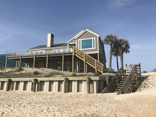 Breath Taking Beach Front Home With Large Deck and Ground Level gas Fire Ring