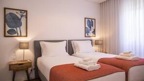 4 soverom, strykejern/-brett, wi-fi og sengetøy
