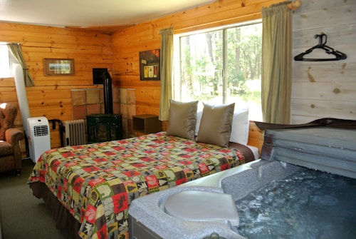 Cabin #6 -sweetheart's Cottage