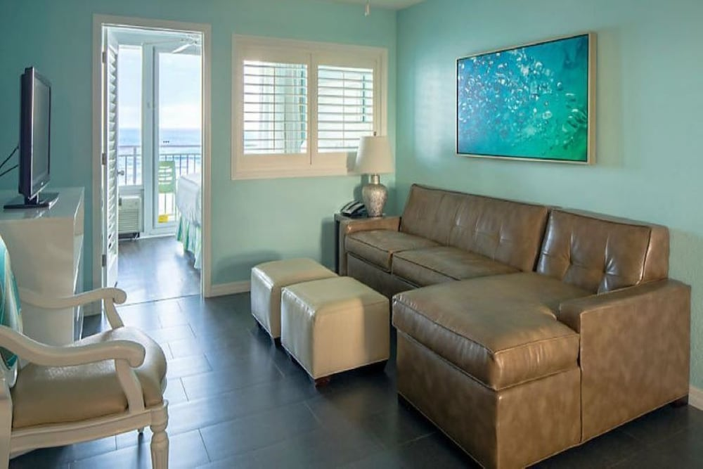Living Room, 2 Bedroom 2 Bath Oceanfront Square ft. - 972