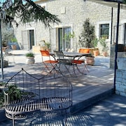 Mas D'odilon Near Uzes, Secure Swimming Pool 12 m, Spacious and Comfortable