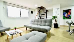 TV, books, stereo