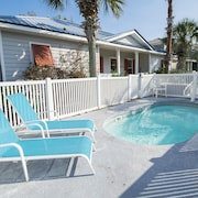Adorable Beach Cottage - Private Pool - Short Walk to Beach