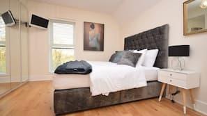 4 bedrooms, iron/ironing board, free WiFi