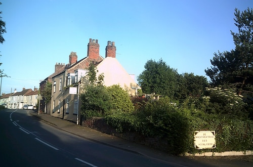 Wheatsheaf House Bed & Breakfast