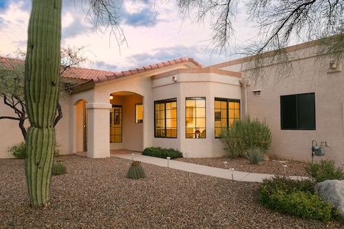 Oro Valley Oasis 2 Bedroom by Casago
