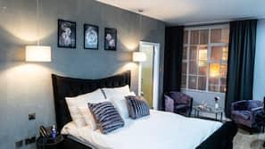 1 bedroom, Frette Italian sheets, premium bedding, Select Comfort beds