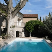 A Haven of Peace of 700 m² With Swimming Pool in the Heart of Carpentras