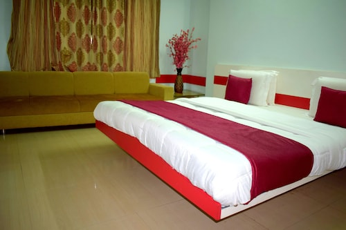 Hotel Ashapura Palace by Sky Stays