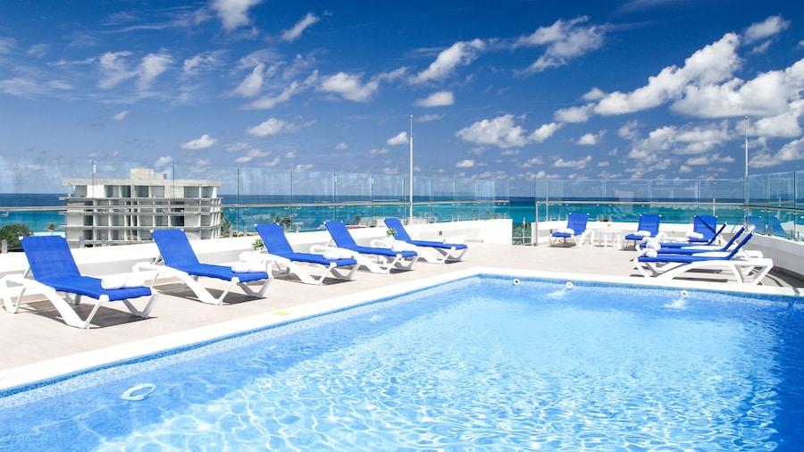 Azure Lofts & Pool Hotel