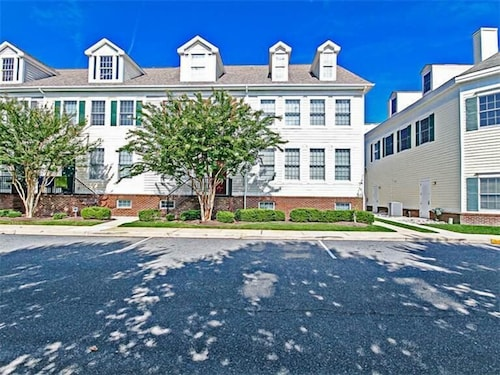 17 Village Green Drive - 4 Br Townhouse