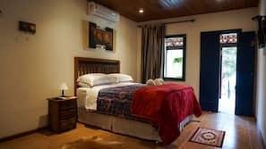 Minibar, individually decorated, individually furnished, free WiFi
