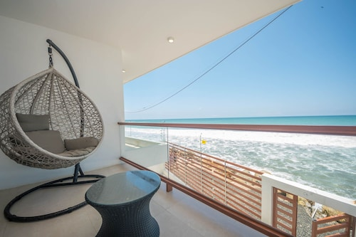 Beachfront 3 Bedroom Minimalist Home
