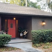 Newly Remodeled Home in a Private and Peaceful Neighborhood. Close to Hits & WEC