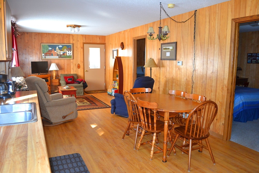 Featured Image, Nitschke's Northern Resort - Cabin #7