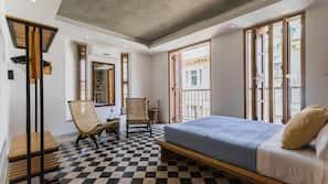 Zimmersafe, individuell dekoriert, Zustellbetten, Bettwäsche