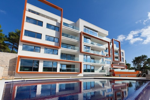 Istra Fortuna Luxury Residence- Deluxe Apartment x 7 With Seaview