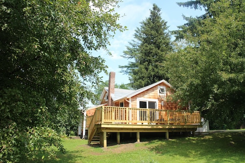 Beautiful Cottage in Copake Falls: Foot of the Birkshires. Ski, Swim, Hike
